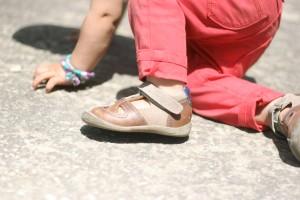 mom fatale μουγερ παπουτσια