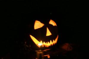 http://momfatale.gr/ halloween 2013 carved pumpkin