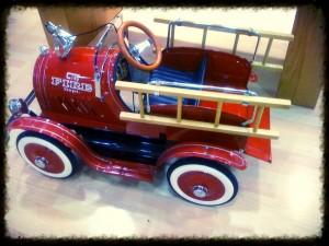 αυτοκινητο πυροσβεστική κόκκινο παιχνίδι