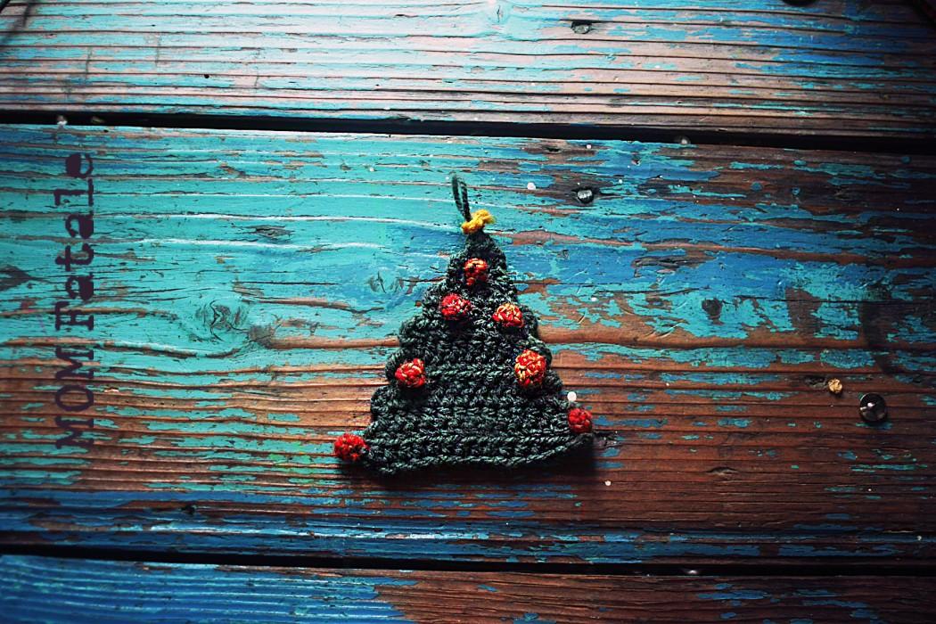 crochet christmas ornaments small xmas tree
