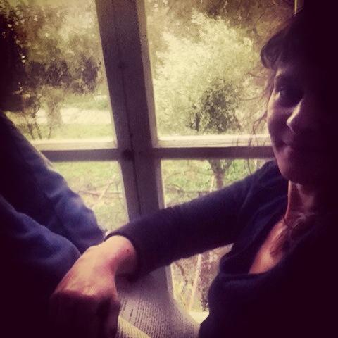 olia at her samothraki home on momfatale.gr