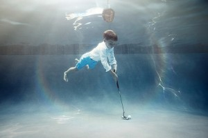 Portraits-of-Kids-Submerged-Underwater-by-Alix-Martinez-7