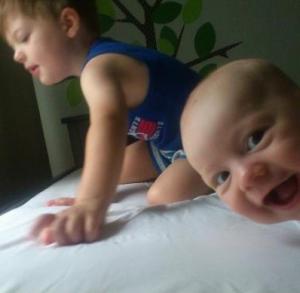 baby photobombs gallery