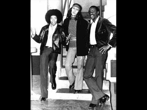 Trio Mocotó – Não Adianta