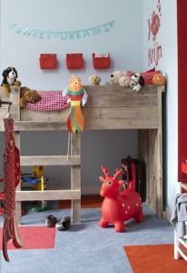 υπερυψωμένο κρεβάτι στο παιδικό