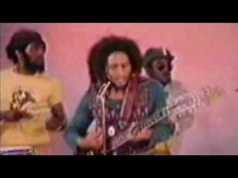 Bob Marley Vs Talib Kweli – I Try Roots, Rock, Reggae (KMT mix)