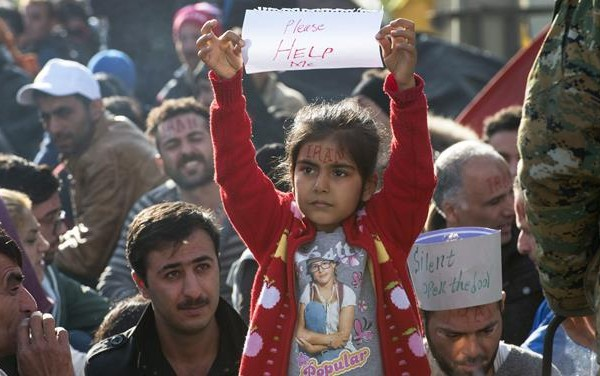συγκέντρωση βρεφικών ειδών για πρόσφυγες