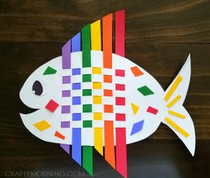 weaving-rainbow-fish-craft-for-kids-1