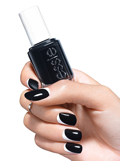 nail-contouring-black-and-white-2