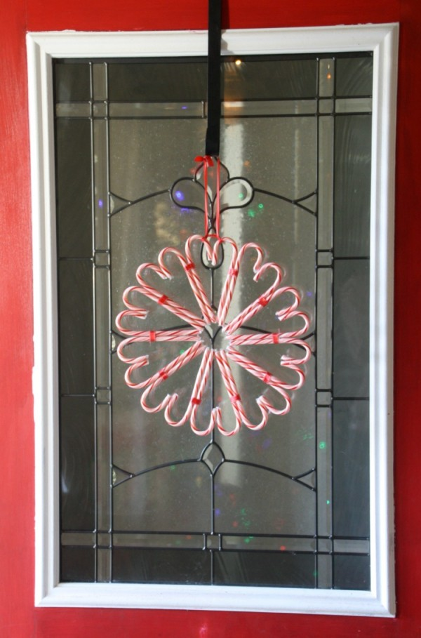 candy-cane-wreath-on-red-door