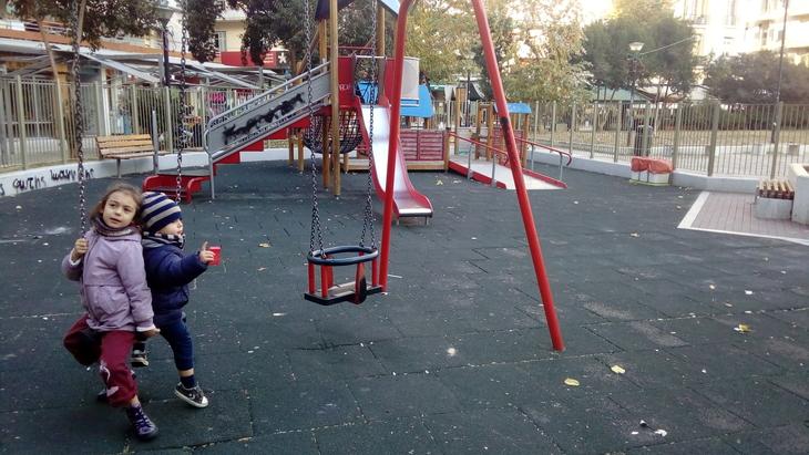 Παιδική Χαρά, Πλατεία Ναυαρίνου