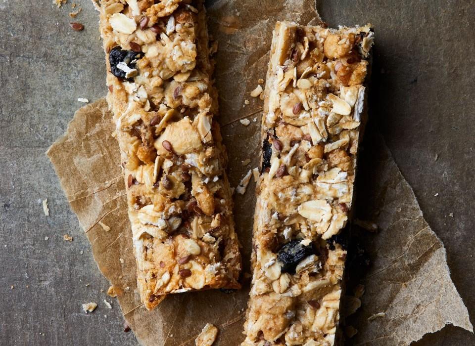 μπάρα δημητριακών χωρίς ζάχαρη με χουρμάδες