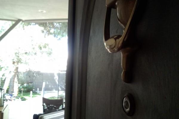 Ανοιχτή η πόρτα του σπιτιού μου