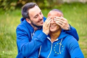 Ένωση ισότητας: Η Επιτροπή παρουσιάζει την πρώτη της στρατηγική για την ισότητα των ΛΟΑΤΚΙ στην ΕΕ.