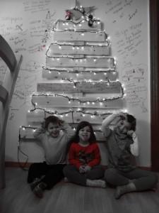 momfatale.gr christmas tree