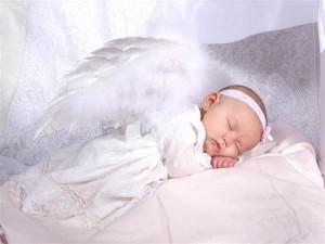 baby-angel-in-sweet-dream