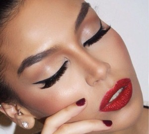 red-lips-cat-eyes-makeup