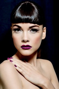 swanny-purple-lipstick