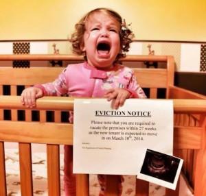 creative-pregnancy-announcement-card-9__605